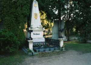 20015